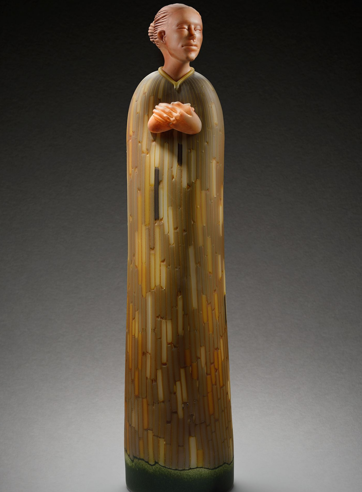 Blown and sculpted figurative glass sculpture by artist Ross Richmond
