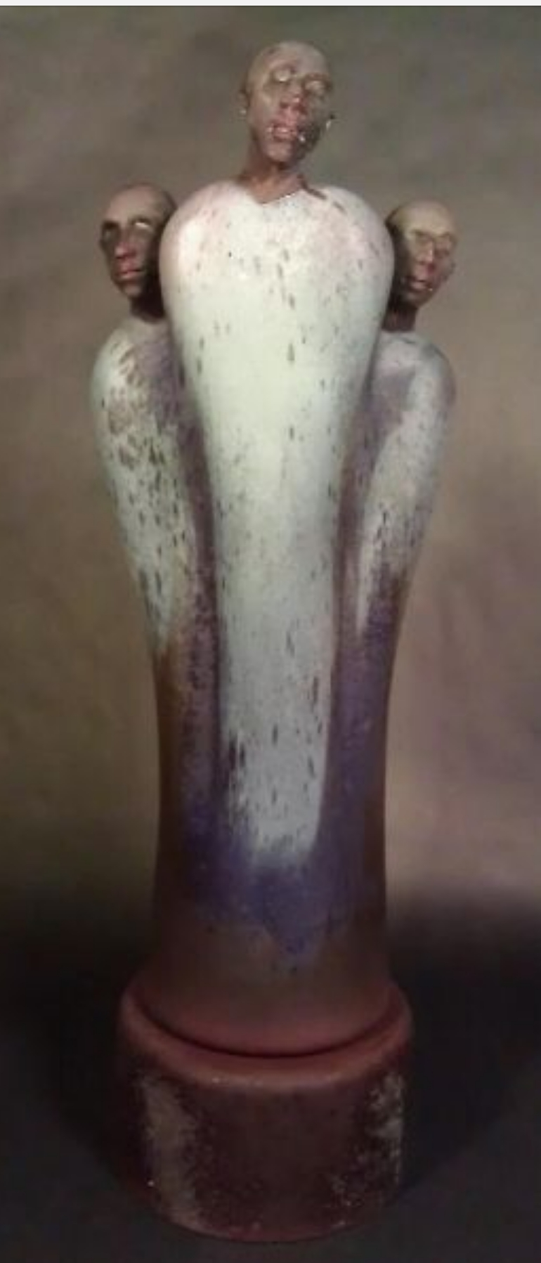 Blown and sculpted figurative glass sculpture by artist Ross Richmond