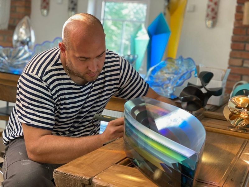 Glass sculpture by Jaroslav Prosek